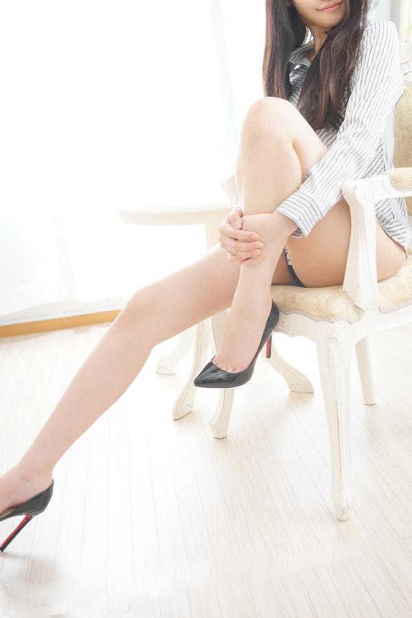 飯島ひかり / 新橋のデリヘル風俗【イキます!女子ANAウンサー】